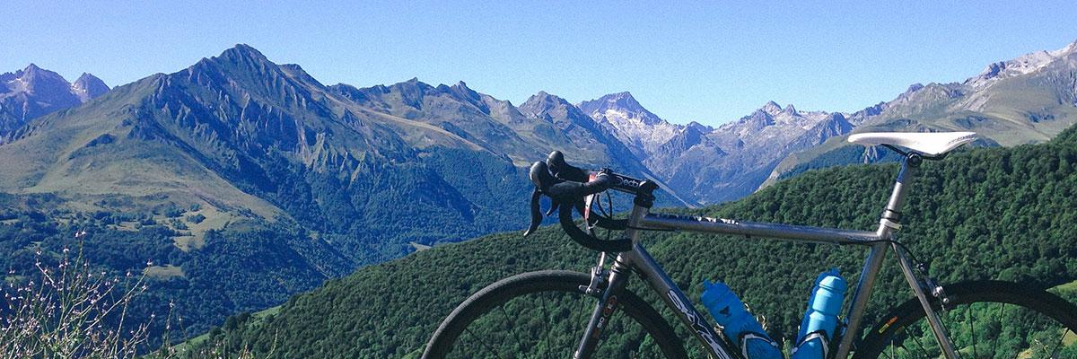 Vélo de route : bien préparer ses sorties longues, par Yann Gobert