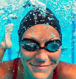Bonnet de natation : maille, silicone ou gaufré ?