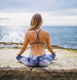 Yoga, toujours pieds-nus ?